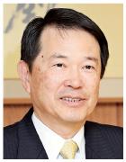 尾崎 裕 氏